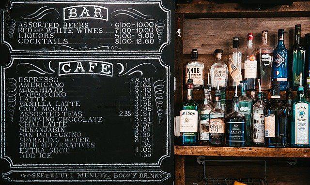 Restaurants und Bars nutzen gerne Tafeln zur Beschriftung mit Menüs und Angeboten